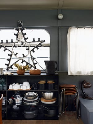 Homes: Paris Boat: Kitchen of a houseboat