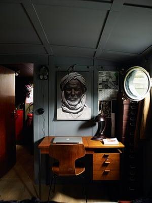 Homes: Paris Boat: Desk area on houseboat