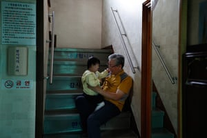 FTA: Kim Hong-Ji: Pastor Lee Jong-rak plays with Lee On-u, 6