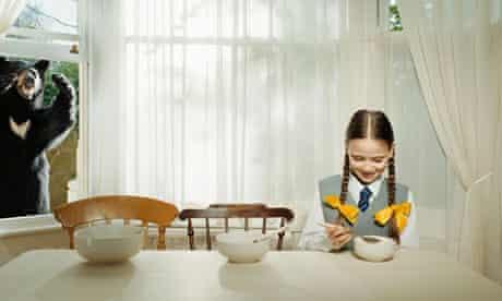 Goldilocks with three porridge bowls