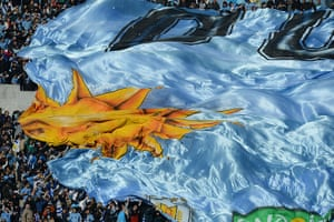 Tifo: Fans of Uruguay display a huge flag