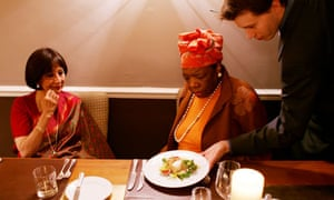 Madhur Jaffrey and Maya Angelou eating lunch together
