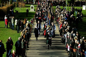 UK Remembrance Day: Dignitaries make their way to the Armed Forces Memorial