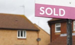 Estate agent sale sign