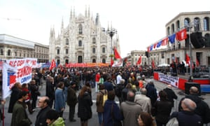 People gather on Milan's Piazza Duomo for a demonstration of the Italian CGIL trade union against the austerity policy, in Milan, 14 November 2012
