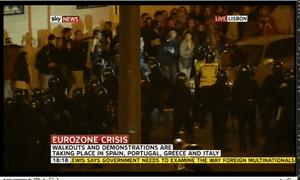 Riot police in Lisbon, November 14 2012