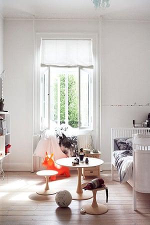 Homes: Danish: children's bedroom