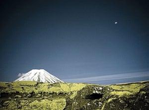 Hobbit gallery: Mount N moonrise