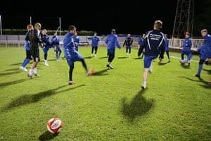 Met Police Football Team: Warming up