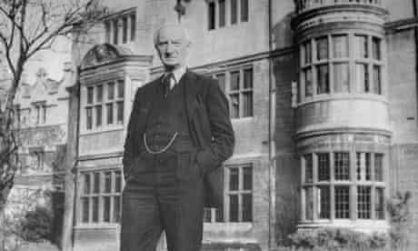 Sir William Beveridge photographed in 1944