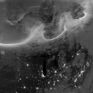 A month in space: Night-time View of Aurora