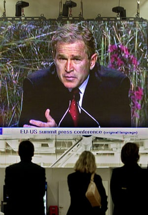 Kyoto history: US President Bush is seen on a giant screen
