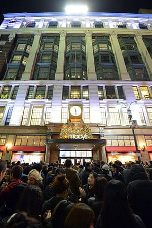 Black Friday: New York: Crowds gather outside Macy's department store