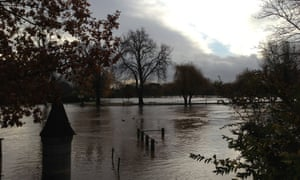 Verdelite has shared this photograph of the flooded river Avon from Ferry Landing. He tells us 'the river as of Sunday evening is still rising and it's still raining. Beautiful but threatening'.