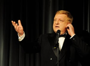 Evening Standard Awards : Simon Russell Beale accepts the Best Actor award