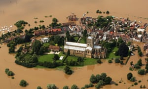 A famous image of Tewkesbury in 2007.