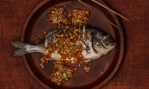 Sea bream in fish-fragrant sauce