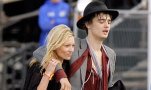 Doherty with Kate Moss at Glastonbury, 2007.