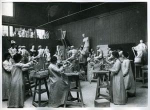 RCA 175 Years: Women's Life Modelling Class