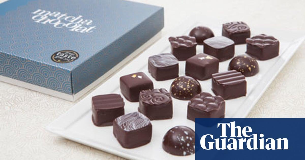 30+ Praline Chocolate Box Wallpapers
