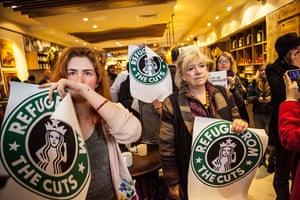 Observer Photography: UK Uncut vs Starbucks