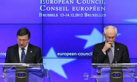 European Commission President Jose Manuel Barroso (L) holds a news conference with European Council President Herman Van Rompuy (R) at the end of the first day of the European Council meeting at the European Council headquarters in Brussels, Belgium, 14 December 2012.
