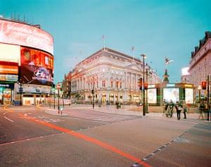 Thomas Ball's photograph of Piccadilly Circus at dusk