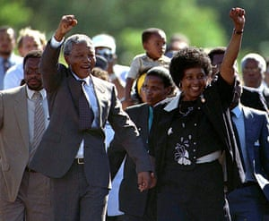 Nelson mandela update: 1990: 1990: Nelson Mandela gestures moments after his release