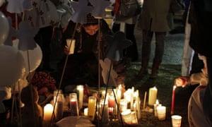 Memorial held in aftermath of Newtown shooting