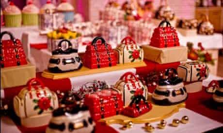 kitsch china objects