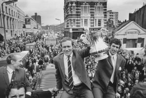 Leeds and Chelsea: Chelsea Cup Parade