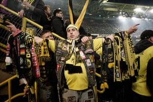 Borussia Dortmund: Fan's scarves