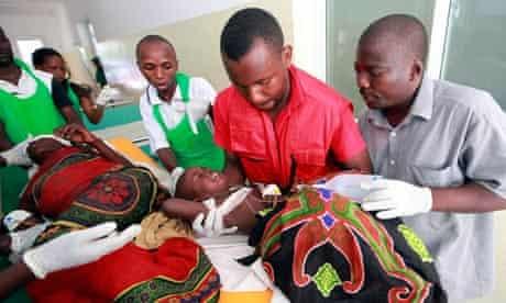 Kenyan medics treat child