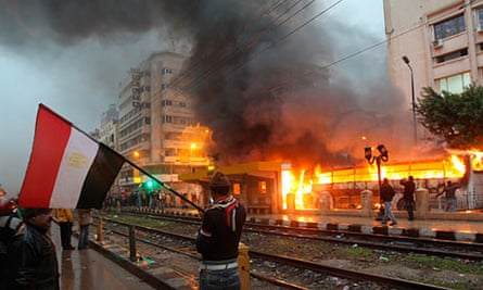 Violent clashes erupt in Alexandria on eve of final round of voting on constitution