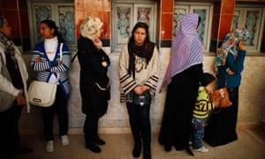 Egyptian women vote