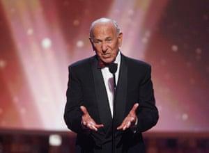 Jack Klugman dies: Klugman speaking at 6th annual TV Land Awards