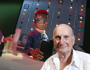 Gerry Anderson: Gerry Anderson with Brains from Thunderbirds