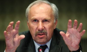 European Central Bank (ECB) Governing Council member Ewald Nowotny of Austria addresses a news conference in Vienna, June 8, 2012.