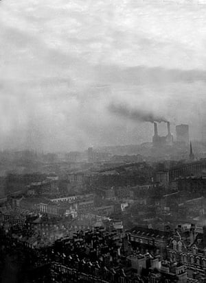 1952 smog crisis: Smoke Pouring From Chimneys over London