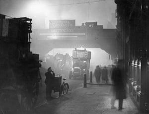 1952 smog crisis: Fog at Ludgate Circus