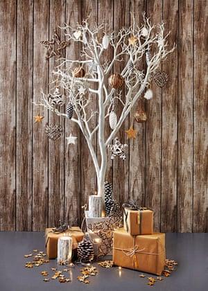 Homes: Christmas: Alternative white christmas tree