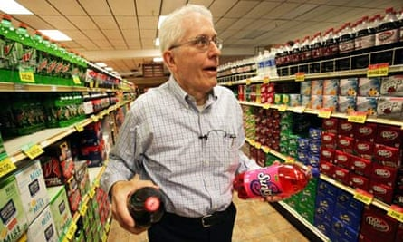 Joe Lueken, Minnesota foodstore owner, sells business to employees