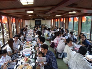 Healthiest cities: Tokyo family dining traditional dress