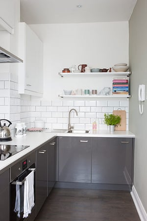 Homes neon: White and minimal London flat - the kitchen