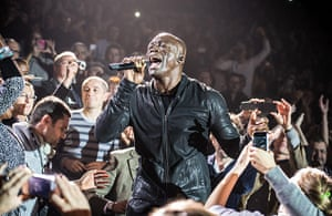 Week in music: Seal performs at Le Zenith, in Paris on 2 December