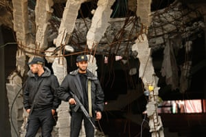 Hamas: Members of Hamas security forces stand guard