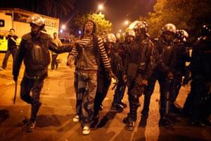Protest in Senegal: Police arrest a protester in Dakar