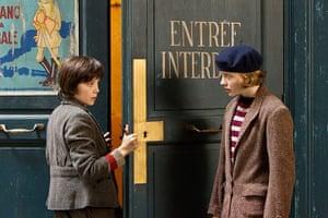 Hugo : Asa Butterfield with Chloë Grace Moretz as Isabelle