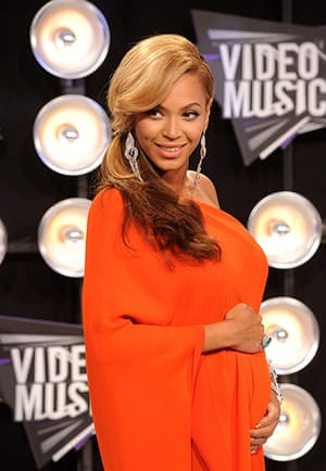 Beyonce Jay-Z Baby: 2011 MTV Video Music Awards - Arrivals