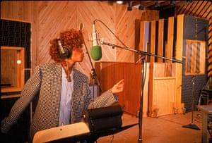 Whitney Houston obit: 1987:  Whitney Houston in recording studio